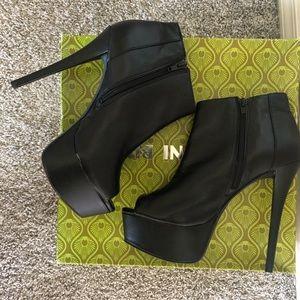 🆕 GIANNI BINI peeptoe booties/ankle boots
